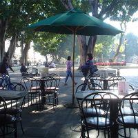 La Cafetería, en el Zócalo de Oaxaca., Тукстепек