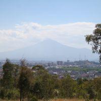 Vista del Popocatepetl desde los fuertes, Ицукар-де-Матаморос