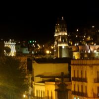 Vista desde la Av. Gonzalez Ortega por la noche, Закатекас