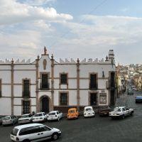 Historic building in front of templo de Santo Domingo, Закатекас