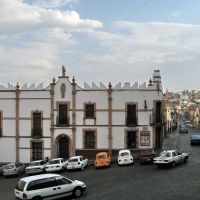 Historic building in front of templo de Santo Domingo, Сомбререт