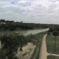 Rio Bravo, Vista desde el puente internacional, Нуэво-Ларедо