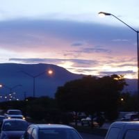 Atardecer de la Cd. desde el Rio San Marcos, Риноса