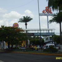 Puente peatonal Blvd. Fco. I. Madero Plaza Crystal Tapachula, Тапачула