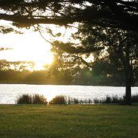 Sunset over Lake Rotoroa, Гамильтон