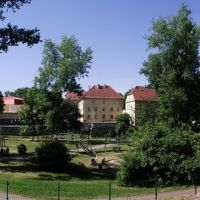 Bolesławiec - podwórko bloku przy ul. Łukasińskiego, Болеславец