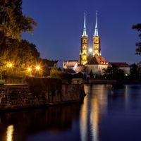 Archikatedra św. Jana Chrzciciela, Breslauer Dom, Cathedral of St. John the Baptist with full moon, Wroclaw, Breslau, Polska, Polen, Winner October 2011, Вроцлав