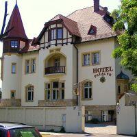 Legnica.Hotel Pałacyk, Легница