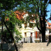 Legnica.Hotel przy ul. Stefana Okrzei, Легница