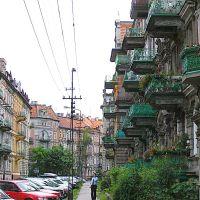 Legnica.Kamienice z balkonami przy ul. F.Roosevelta. Houses with balconies Street. F. Roosevelt, Легница