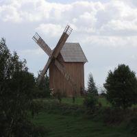 """Bierzgłowo - wiatrak istniał ty już 1867roku. Obecny jest odrestaurowany. Ostatni młynarz mielił mąkę """"wiatrem"""" w 1956 roku., Накло-над-Нотеча"""