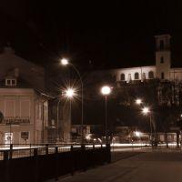 Bazylika Mniejsza Narodzenia Najświętszej Maryi Panny w Gorlicach - Noc, Горлице