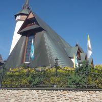 Zakopane - nowy kościół przy ul. Kościeliskiej, Закопане