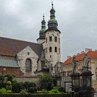 Вид на  церковь Св. Андрея со двора  костёла Св. Петра и Павла., Краков (ш. ул. Вроклавска)