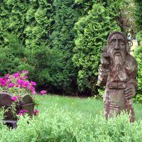 Wooden smith or dwarf / Drewniany krasnal lubo kowal / Hölzerner Zwerg oder Schmied / کوتوله یا آهنگر چوبی, Освецим