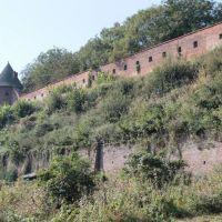 Potężne mury obronne 400 - letniego Opactwa ss. Benedyktynek w Jarosławiu., Ярослав
