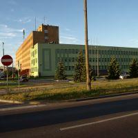 Suwałki – zbieg Pułaskiego i Świerkowej; siedziby Starostwa i Policji, Сувалки