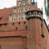 Castle in Marienburg (Malbork) - middle castle guard tower, Мальборк