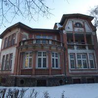 dom | house, Тчев