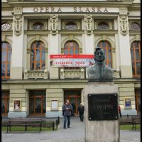 BYTOM. Popiersie F. Chopina przed gmachem Opery Śląskiej/Bust of F. Chopin in front of the building of the Silesian Opera, Бытом