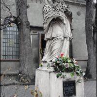 GLIWICE. Figura Jana Nepomucena przed Kościołem Ormiańskim/Nepomuk statue in front of the Armenian Church, Гливице