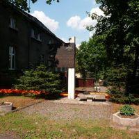 Pomnik przy ul. Powstańców (monument at Powstańców st.), Мысловице