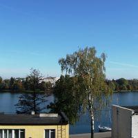 widok z okna wagonu kolejowego - Iława - jezioro Jeziorak, Илава