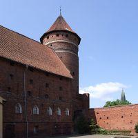 Dziedziniec zamku w Olsztynie, Ольштын
