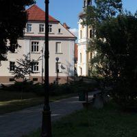 Kościół Świętych Apostołów Piotra i Pawła w Krotoszynie - widok z parku, Кротошин