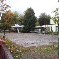 Turek - samolot przed gimnazjum nr 1, Турек
