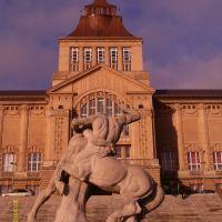 """Rzeźba Ludwiga Manzela """"Herkules walczący z centaurem""""  Szczecin.                   Sculpture Ludwig Manzel """"Hercules im Kampf mit Zentaur"""", Щецин"""
