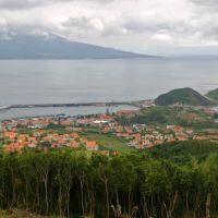 Horta com ilha do Pico ao fundo, Опорто