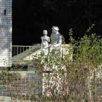 памятник Ленину возле 2-й школы, Игрим