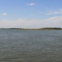 посередине реки, Камень-на-Оби