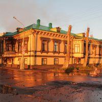 Дом Суркова на закате, Архангельск