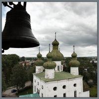 В синем небе, колокольнями проколотом ..., Каргополь