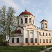 Церковь Зосимы и Савватия начала XIX века. Внутри тоже выставки 28.05.08, Каргополь