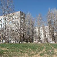 Многоэтажки на берегу, Нариманов