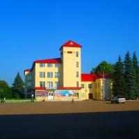 Центральна площа селища, Верхнеяркеево
