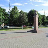 ул. Лазарева. Памятник Лазареву, Губкин