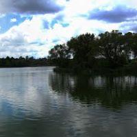 Зеркальный пруд в центре Ракитного, Ракитное