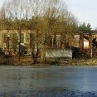 Озеро на фоне руин 25.03.14, Клетня