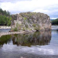 скала на слиянии рек Ина и Турокча, Баянгол