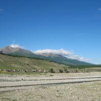 с.Монды на берегу р.Иркут (июнь 2010г.)