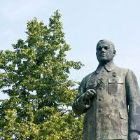 Памятник В.А. Дегтяреву в г. Коврове, Ковров
