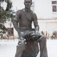 Памятник Алексею Лебедеву - поэту и моряку  Monument Aleksey Lebedev - poet and sailor, Суздаль
