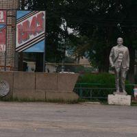 Станичная площадь до нынешних дней сохранила в почти нетронутом виде свое неповторимое своеобразие., Кумылженская