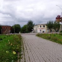 Библиотека, универмаг, водокачка - центр города., Грязовец