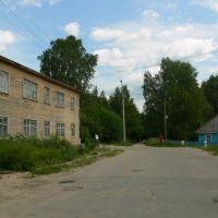 ул. Клочихина, 13 (дом слева), Тотьма