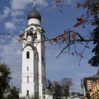 Церковь-колокольня Воскресения Христова. С 1947 года —  Успения Матери Божией, Большереченск